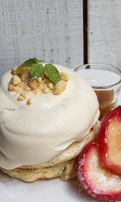 焼きリンゴとバタークッキーロイヤルミルクティークリーム